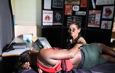 Despite heavy rain, flooding and muddy conditions, the community of Barunga came together with health professionals and local organisations to carry out an important initiative aimed at identifying children with rheumatic heart disease (RHD) in their community.